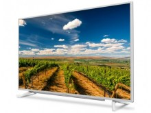 "GRUNDIG 32"" VLE 6735 WP Smart LED LCD"